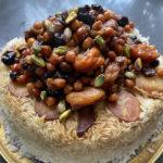 אורז פרסי עם תבשיל פירות יבשים וחומוס